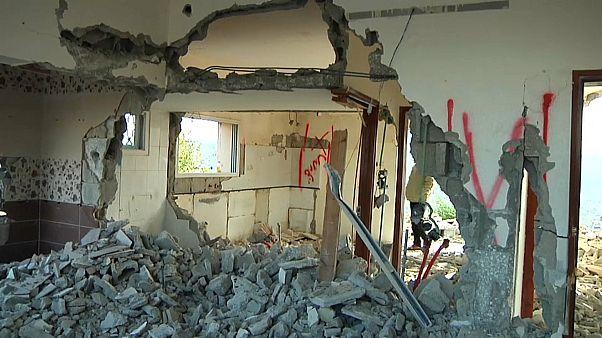 شاهد: إسرائيل تهدم منزل فلسطيني قتل جنديين لها في الضفة الغربية المحتلة