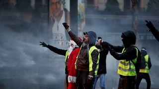 Deputados expulsos da televisão pública da Hungria
