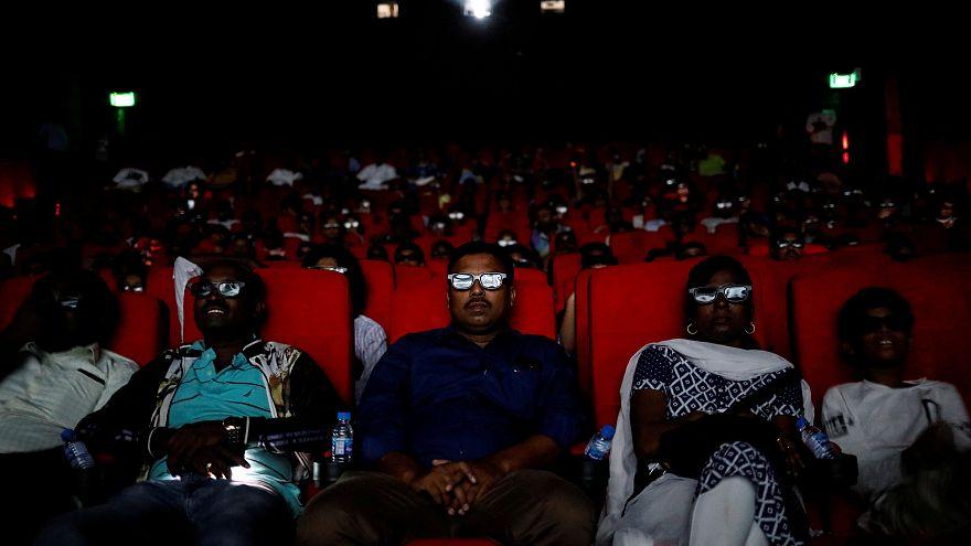 دراسة: الذهاب إلى السينما أو مشاهدة مسرحية تقي الإنسان من الإصابة بالاكتئاب