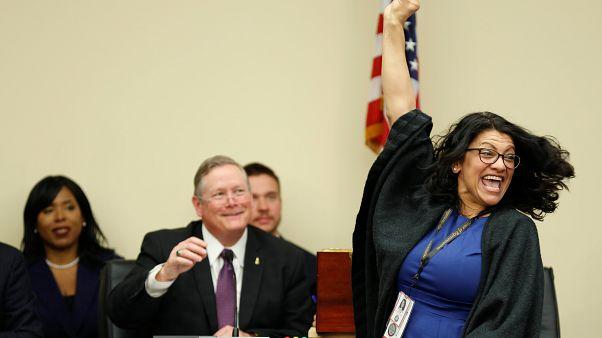 رشيدة طليب تنشر صورة الفستان الذي سترتديه لأداء القسم أمام الكونغرس