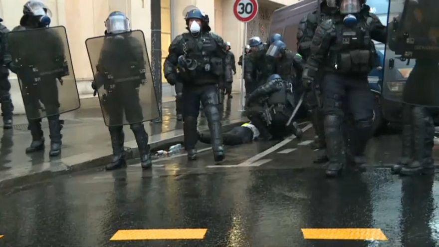 Fransa'da iktidara öfkeli polis sendikasından çağrı: Çarşamba günü karakolları kapatalım
