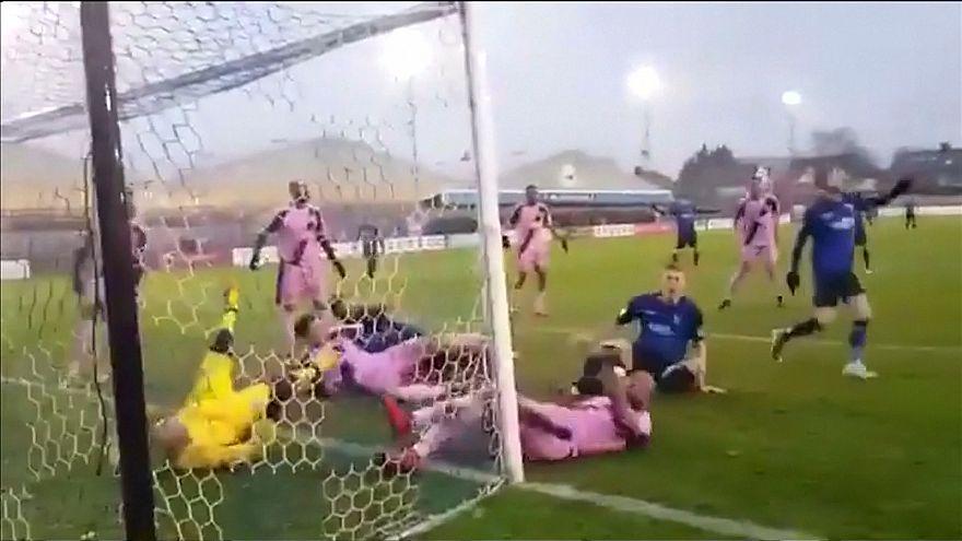Футбол: героическая защита ворот