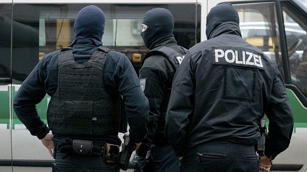 آلمان؛ پلیس مسجدی را در ارتباط با  کمک مالی به اسلامگرایان بازرسی کرد