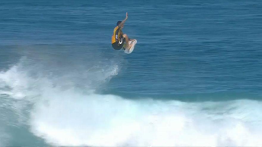 Medina au top du surf mondial à Hawaii