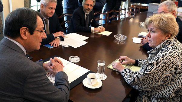 Κυπριακό:  Τηλεφωνική επικοινωνία Λουτ με Αναστασιάδη και Ακιντζί