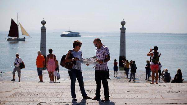 Emigração portuguesa cai pelo quarto ano consecutivo
