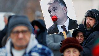 Dublinba és Bécsbe is tiltakozást szerveznek ma estére a magyar nagykövetségekhez