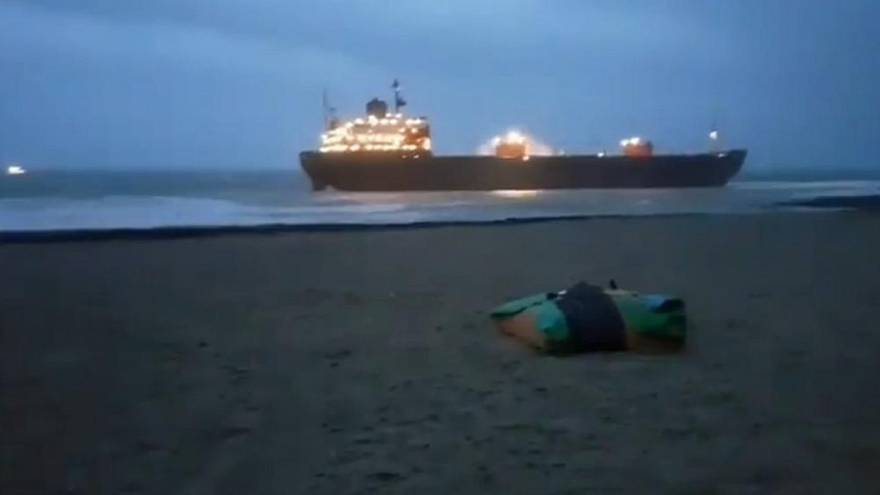 Russisches Frachtschiff läuft bei Cornwall auf Grund