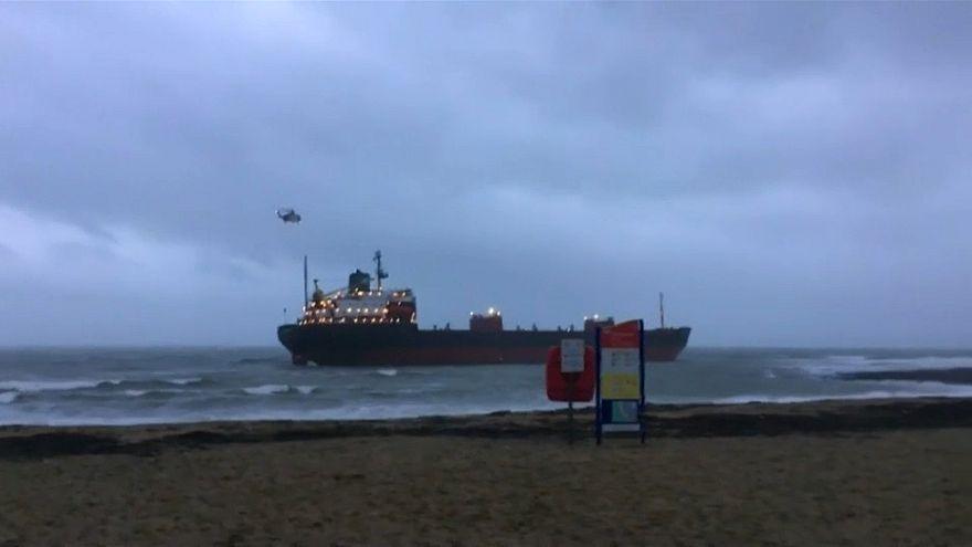 شاهد: جنوح سفينة شحن روسية قبالة سواحل انكلترا