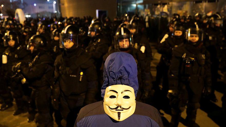 """Венгрия: """"протесты финансирует Сорос"""""""