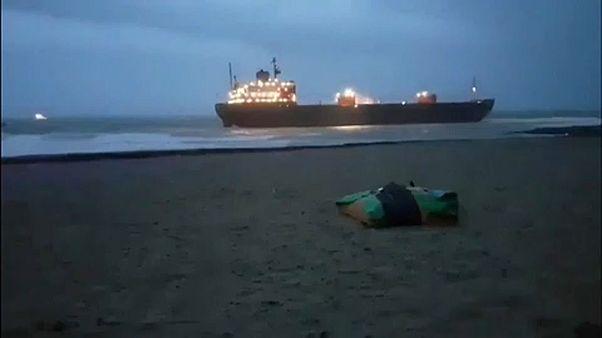 Megfeneklett egy orosz teherhajó