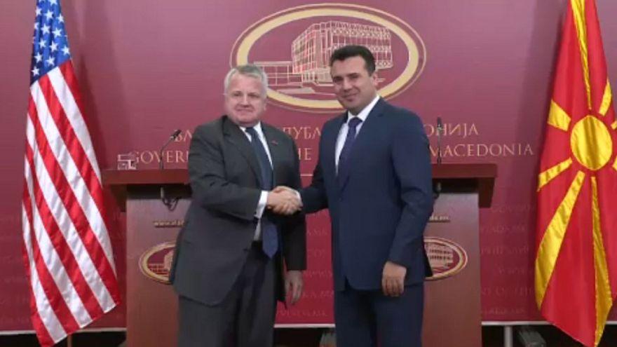 Η συνταγματική αναθεώρηση και η επίσκεψη Σάλιβαν στα Σκόπια