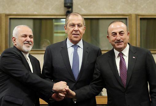 İran, Rusya ve Türkiye dışişleri bakanları Cenevre'de bir araya geldi