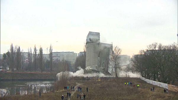 عملیات تخریب سیلوهای متروکه در لهستان