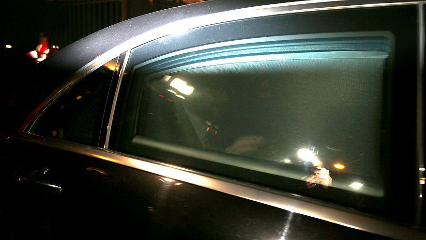 Il premier Charles Michel lascia il Palazzo Reale dopo le dimissioni