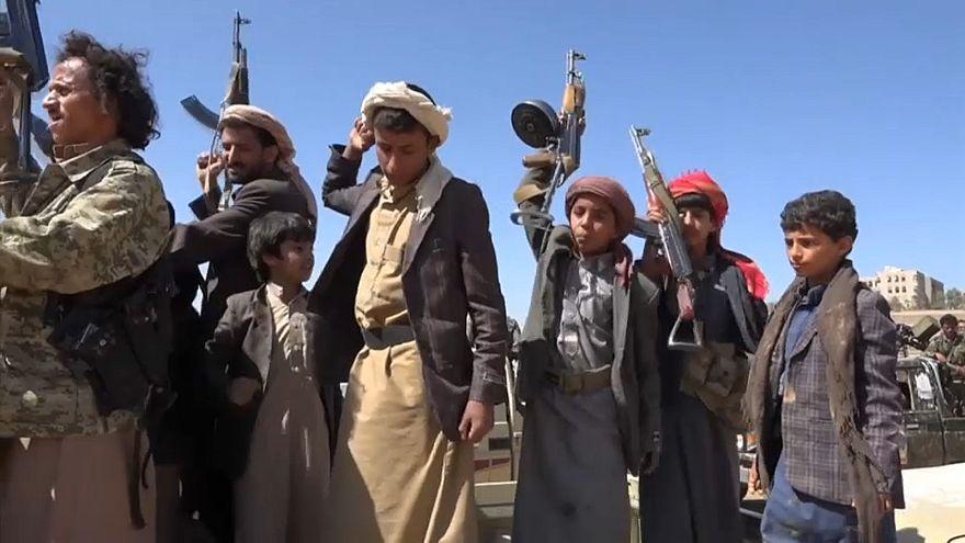 شاهد: أطفال يروون تجاربهم على جبهات القتال في صفوف الحوثيين
