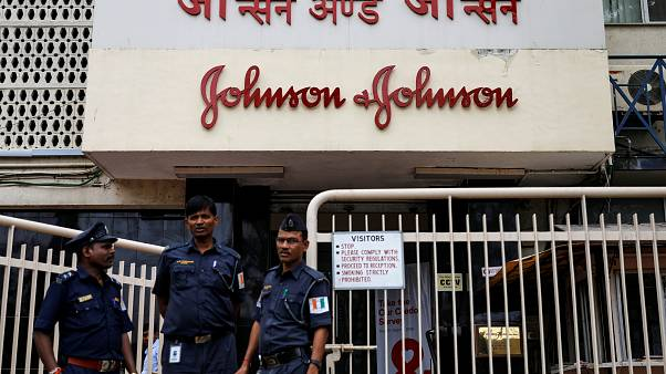 الهند تفحص عينات من بودرة جونسون آند جونسون بعد اتهامات باحتوائها مواد مسرطنة