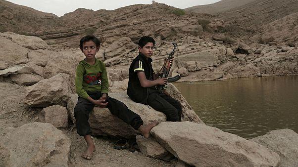 تراژدی یمن؛ کودک سربازان ۱۰ سالهای که میجنگند، میکشند و کشته میشوند
