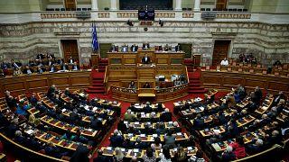 Parlamento grego aprova primeiro orçamento pós-resgate