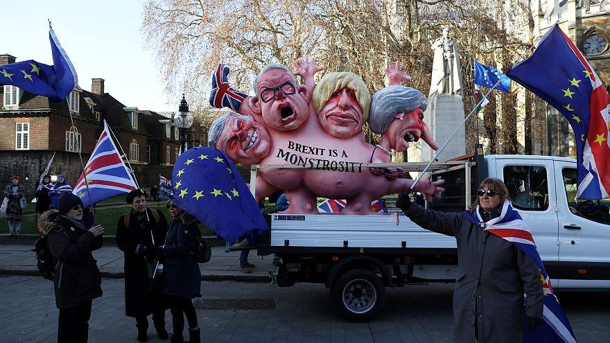 """Brexit : la Commission présente son plan en cas de """"no-deal"""""""