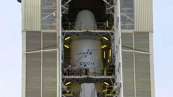 """Paris: """"Weltraumverteidigung"""" mit neuen Satelliten um 3,6 Mrd. Euro"""