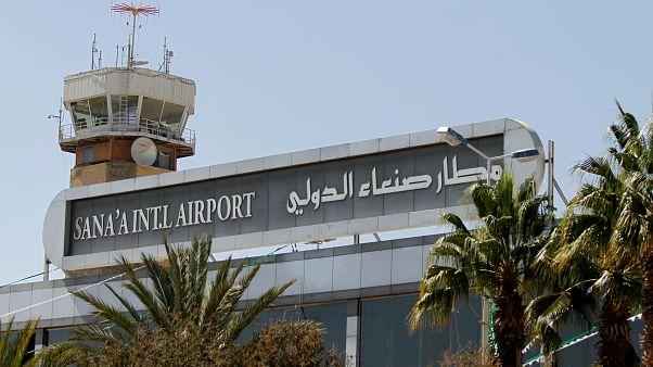 حمله هوایی ائتلاف به رهبری عربستان به فرودگاه صنعا