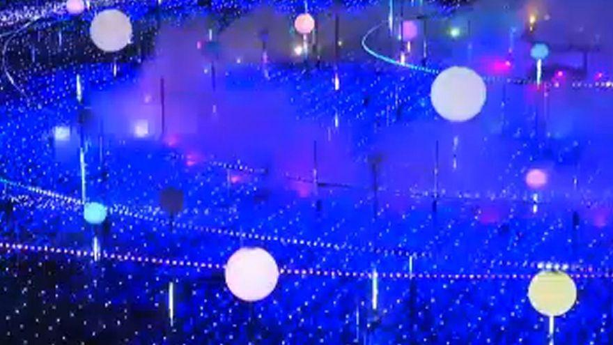 شاهد: الأنوار تجعل شتاء اليابان أكثر دفئا