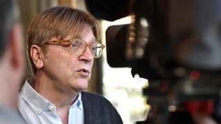 Verhofstadt pide a Facebook que elimine un 'vídeo manipulado' tras la comprobación de euronews