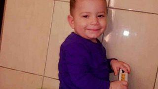 جدل واسع بشأن وفاة طفل فلسطيني في لبنان واتهامات برفض المستشفيات استقباله للعلاج