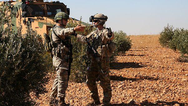 ABD'den umudu kesen YPG yüzünü Moskova ve Şam'a döndü