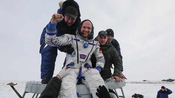 Roket kazası nedeniyle dönüşleri ertelenen 3 Soyuz mürettebatı Dünya'ya döndü