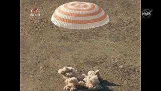 """""""Есть посадка!"""": экипаж МКС приземлился в Казахстане"""