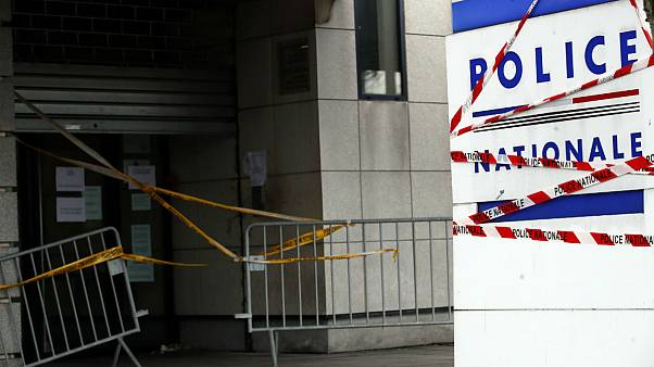 اعتصاب پلیس فرانسه؛ دولت با افزایش حقوق موافقت کرد