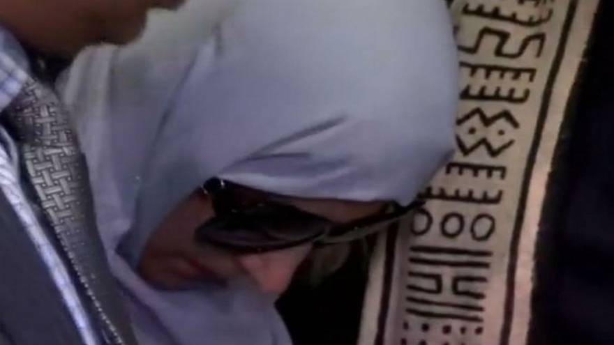 Yemeni mom arrives in U.S. to see dying son