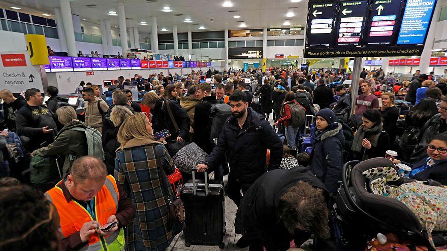 El aeropuerto de Gatwick retoma su actividad de forma limitada