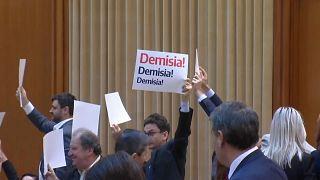 El Gobierno rumano supera una moción de censura