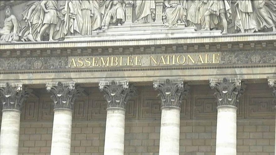 Парламент Франции поддержал президента