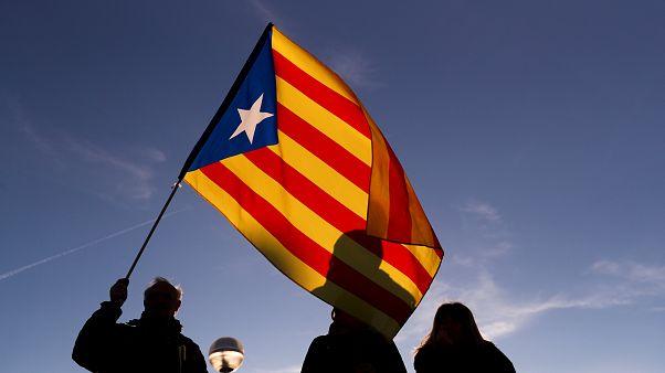 Catalunha: Conselho de Ministros sob protestos