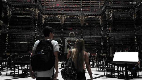 """المكتبة الملكية البرتغالية في البرازيل: """"كأننا في هاري بوتر"""""""