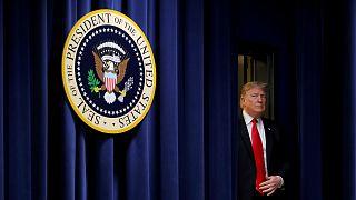 """ترامب يهدد: إما تمويل بناء الجدار مع المكسيك أو """"تعطيل الحكومة""""!"""