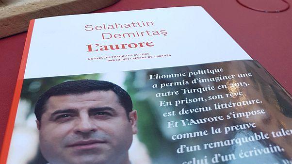 Selahatin Demirtaş'ın Seher'i L'aurore adıyla Fransızca'da