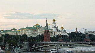 في إطار عقوبات متبادلة.. روسيا توسع حظرا على واردات أوكرانيا