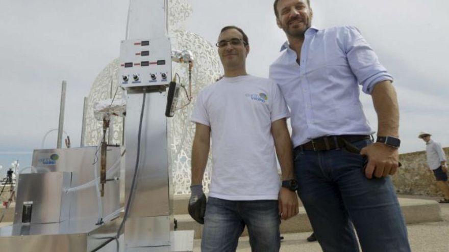 İki Fransız mucit plastik çöpleri yakıta dönüştüren bir makine geliştirdi