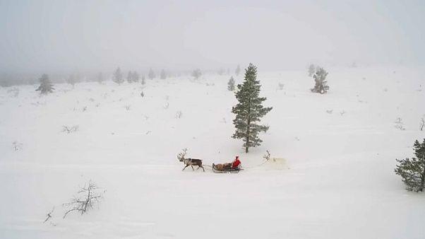 Noel Baba Finlandiya'dan yola çıktı