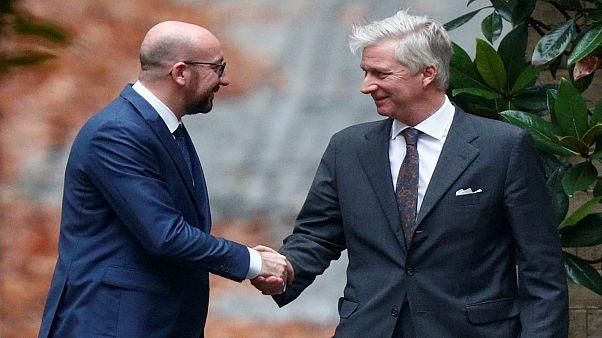 الملك البلجيكي يقبل استقالة رئيس الحكومة ويكلّفه بتصريف الأعمال