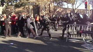 Βαρκελώνη: Συγκρούσεις αστυνομίας και διαδηλωτών