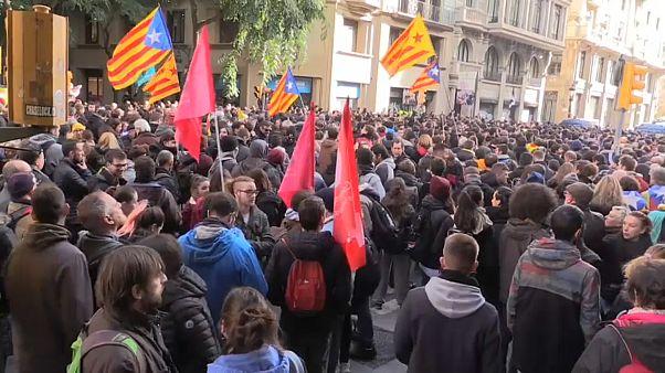 اعتقال انفصاليين كتالونيين خلال احتجاجات في برشلونة