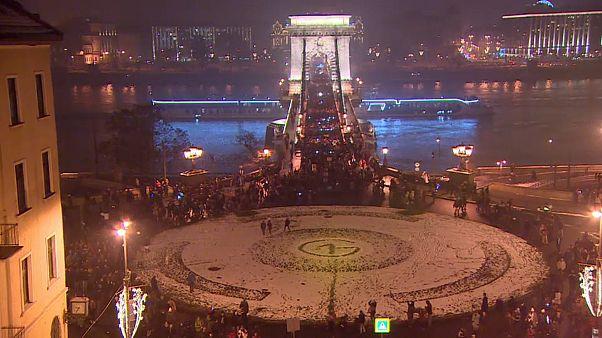 Macaristan'da yeni çalışma yasası: Protestocular Saray'a yürüdü