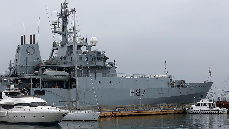 El Reino Unido envía un buque de la Armada al Canal de la Mancha