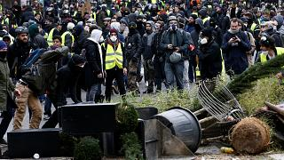 Sarı Yelekliler protesto